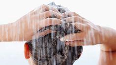 Wereldwijd zijn er mannen en vrouwen die geen shampoo gebruiken. De Amerikaanse Jaquelyn Baers is een van hen. Zij bande het product vijf jaar geleden ...