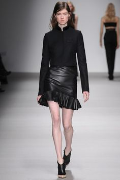 David Koma - Autumn/Winter 2015-16 Ready-To-Wear - LFW (Vogue.co.uk)