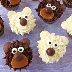 Teddy Bear and Polar Bear Cupcakes are quick and easy to decorate using pre-filled pastry bags and candy. Great for birthday parties.