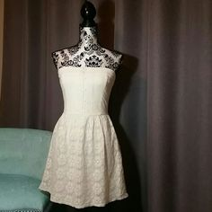 ABERCROMBIE & FITCH  MEDIUM IVORY LACE DRESS Abercrombie & Fitch Ivory lace strapless dress with button details on bust. Fully lined.  Size Medium  New with tags Price firm Abercrombie & Fitch Dresses Strapless