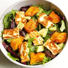pumpkin, haloumi and avocado salad Gone are the days of bland and boring salads! This pumpkin, halloumi and avocado salad makes for a perfect weeknight dinner - minimal effort, maximum taste. Avocado Dessert, Avocado Salad Recipes, Salad Recipes For Dinner, Healthy Salad Recipes, Vegetarian Recipes, Cooking Recipes, Halloumi Salad Recipes, Sausage Recipes, Recipes For Salads