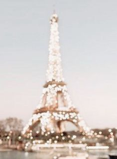 Paris We share the best pairs of travel destinations, pay for travel destinations . - Paris We share the best pairs of travel destinations, pay for travel destinations … - Aesthetic Backgrounds, Aesthetic Iphone Wallpaper, Aesthetic Wallpapers, Gold Aesthetic, Travel Aesthetic, Cream Aesthetic, Aesthetic Collage, Aesthetic Vintage, Aesthetic Fashion