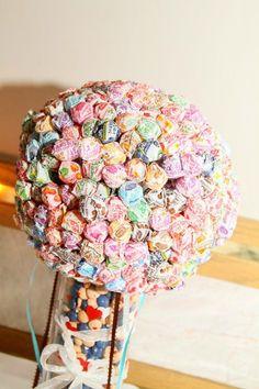 .Sucker bouquet Sucker Bouquet, Suckers, Birthday Wishlist, Fun Stuff, Wedding Ideas, Candy, Tips, Christmas, Sweet