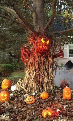 Halloween Tags, Halloween Prop, Happy Halloween, Looks Halloween, Outdoor Halloween, Diy Halloween Decorations, Outdoor Decorations, Halloween Ideas, Halloween Halloween