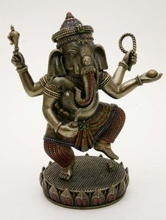 Ganesha<br />dansend bij Crystal Temptation in Venlo Ganesha, Crystals, Ganesh, Crystal, Crystals Minerals