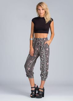 Lounge pants or joggers today? We're mixing things up with the perfect combo.