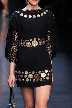 Dolce & Gabbana at Milan Fashion Week Spring 2014 - StyleBistro Style Haute Couture, Couture Fashion, Runway Fashion, Womens Fashion, Gypsy Fashion, Love Fashion, High Fashion, Fashion Looks, Fashion 2014