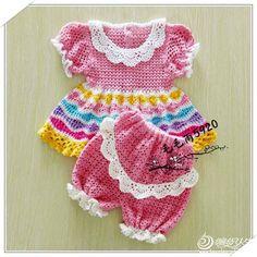Летний комплект платье и песочник для малышки крючком. Песочник для девочки крючком схема