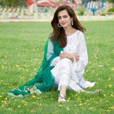 Stylish Girls Photos, Girl Photos, Pakistani Dresses, Indian Dresses, Kinza Hashmi, Fashion Hub, Pakistani Actress, Dress Makeup, Designer Wear