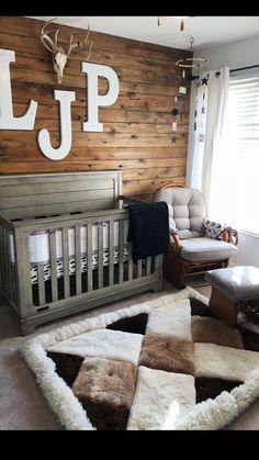 Baby Kinderzimmer Junge - Boys rustic nursery Wood wall deer antler LJP - Baby World Baby Bedroom, Baby Boy Rooms, Baby Boy Nurseries, Nursery Room, Kids Bedroom, Nursery Grey, Rustic Nursery Boy, Wood Wall Nursery, Rustic Baby Rooms