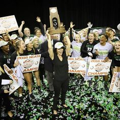 BACK-TO-BACK NATIONAL CHAMPIONS!!!!! Baylor Acrobatics & Tumbling beat Oregon to claim their 2nd straight national championship! #SicEm