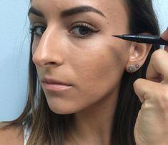 How to Do Winged Eyeliner 3 #EyelinerForBeginners How To Do Winged Eyeliner, Winged Eyeliner Tutorial, Simple Eyeliner, Perfect Eyeliner, Winged Liner, Eyeshadow For Green Eyes, Fancy Makeup, Eyeliner For Beginners, Colors For Skin Tone