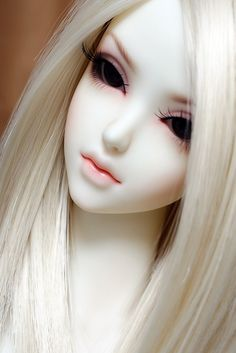 BJD doll discovered by Quỳnh Hương on We Heart It Anime Dolls, Bjd Dolls, Porcelain Dolls Value, Porcelain Tiles, China Porcelain, Enchanted Doll, Realistic Dolls, Smart Doll, Kawaii Doll