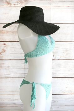 Crochet bikini in mint Boho bikini Crochet swimsuit Sexy image 4 Sexy Bikini, Cheeky Bikini, Bikini Top, Crochet Bikini, Crochet Top, Boho Chic, Boyshort Bikini, Crochet Collar, Bare Foot Sandals