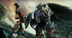 Transformers: The Last Knight  ya tiene un nuevo spot con motivo de la Super Bowl , el cual ha sido...