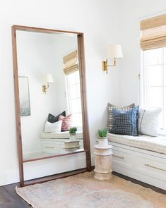 We were especially drawn to the Alder Mirror& for its use of proportion. & modern open-space addition to its classic shape capitalizes on this understated design element for a sophisticated and high end look. Retro Home Decor, Diy Home Decor, Decoration Hall, Decorations, Minimalist Bedroom, Modern Bedroom, My New Room, Modern Interior Design, Simple Interior