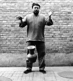 Who's the vandal: Ai Weiwei or the man who smashed his Han urn ...