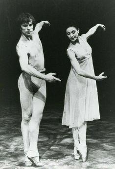 Male Ballet Dancers, Ballet Poses, Ballet Art, Margot Fonteyn, Ralph Fiennes, Aquascaping, Les Kennedy, Dancer Photography, Mikhail Baryshnikov