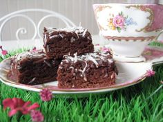 Forum Thermomix - The best Thermomix recipes and community - Chewy Chocolate Slice (with photo) Cranberry Cake, Chocolate Slice, Biscuit Cake, Lunch Box Recipes, Sweets Cake, Sweet Treats, Slice Recipe, Cooking Recipes, Yummy Food