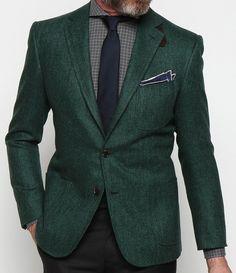 evergreen herringbone blazer, windowpane check, navy silk tie, tipped pocket square Green Blazer, Green Jacket, Mode Normal, Herren Style, Suit Up, Mens Fashion Blog, Men's Fashion, Sharp Dressed Man, Gentleman Style