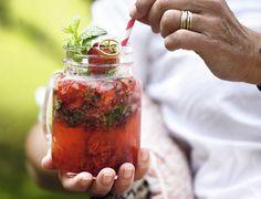 Mojito med jordbær og mynte