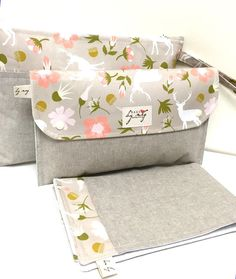 Diaper clutch nappy bag wallet with travel by naturallybymeg Diaper Clutch, Diaper Bag Backpack, Diaper Bags, Best Baby Shower Gifts, New Baby Gifts, Diy Wallet, Diy Nappy Wallet, Diaper Bag Organization, Disposable Diapers