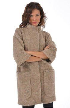 El patrón del abrigo de la silueta oversayz a la dimensión OG de 86-94 cm