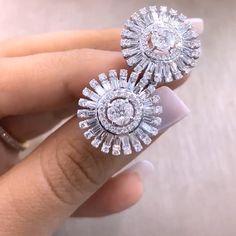 Mia Moon Jewellers. Star struck diamond earrings. #Bahrain #highjewelry