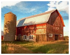 The Oslo Corner barn, near the intersection of Roosevelt Road and Highway 49, just north of Iola, Wisconsin. It was a local landmark and is depicted as it stood 2007.