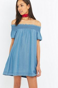 Alice & UO Hermione Off-The-Shoulder Dress - Urban Outfitters