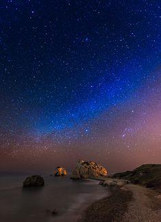 Milky Way, Petra tou Romiou, Cyprus by Tomasz Huczek via What A Wonderful World, Beautiful World, Beautiful Places, Beautiful Pictures, Amazing Places, Aphrodite, Places Around The World, Around The Worlds, Skier
