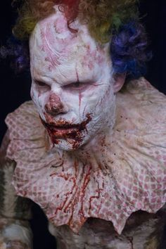 """El trailer de """"Clown"""" te pondrá los pelos de punta   http://varietylatino.com/2015/cine/noticias/pelicula-terror-clown-nuevo-trailer-eli-roth-150863/"""