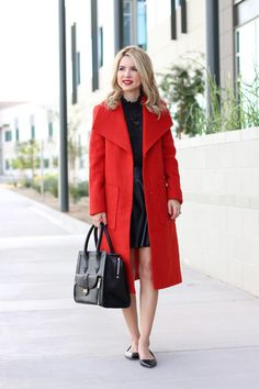 THE LONG COAT YOU NEED THIS SEASON | red coat | holiday style