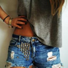 Wearing gray with ripped, studded jeans and dark nails. So casual and cute. Studded Shorts, Ripped Jean Shorts, Studded Denim, Embellished Shorts, Denim Cutoffs, Waisted Denim, Fashion Moda, Denim Fashion, Look Fashion