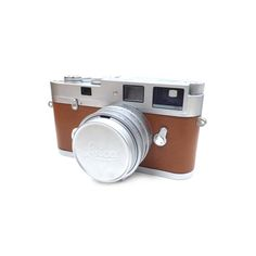 Leica #Hermes Submicron 35/2 Camera Lens Authenticity guaranteed, free shipping worldwide & 14 days return policy. Shop more #preloved brand items at #eLADY: https://mall.elady.com