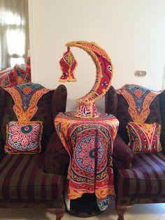 Ramadan Activities, Ramadan Crafts, Ramadan Decorations, Handmade Decorations, Ramadan Celebration, Islamic Celebrations, Candy Gift Baskets, Ramadan Lantern, Diy Home Decor