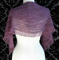 With a nod to Shetland lace shawl construction, Henslowe by knitting designer Beth Kling has an elongated shape, lacy curves and a knitted-on edging that strikes a balance between practicality and style, traditional and modern.