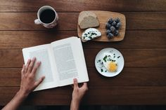 books coffee tea bookling bibliophile bookworm booklover booknerd bookstore bookporn vsco vscocam breakfast book