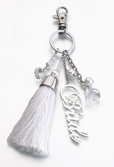 This is so cute! I want one! Just maybe without the tassle thing...that'd get destroyed before anyone even saw it. xD