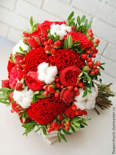 Vibrant and lovely bridal bouquet...