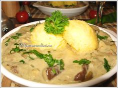 Ciulama de hribi cu mamaliguta Polenta, Mashed Potatoes, Goodies, Eat, Ethnic Recipes, Food, Food And Drinks, Whipped Potatoes, Sweet Like Candy