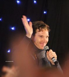 Cumberbatchweb — Benedict Cumberbatch at the Starfury Elementary convention