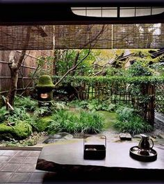 Tawaraya in Kyoto, Japan Japanese Garden Plants, Japan Garden, Japanese Garden Design, Japanese House, Japanese Gardens, Japanese Style, Indoor Garden, Outdoor Gardens, Indoor Outdoor