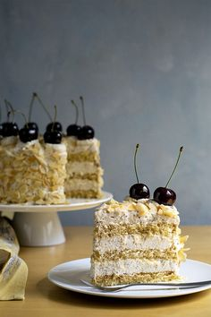 This decadent nougat torte has 3 layers of moist syrupy sponge cake and 3 layers of velvety roasted almond and white chocolate mousse for the ultimate satisfaction! Italian Almond Cookies, Almond Cakes, White Chocolate Mousse Cake, Almond Chocolate, Chocolate Sponge, White Chocolate Desserts, Chocolate Almond Cake, German Chocolate, Chocolate Brownies