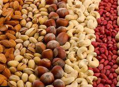 Sport et nutrition Remèdes pour perdre poids pour santé : Manger des noix peut vous aider à atteindre un poi...