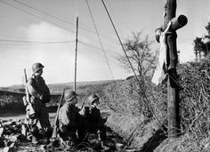 Photos from the Battle of the Bulge/The Ardennes 1944 - Page 2 Catholic Beliefs, Catholic Prayers, Catholic Art, Roman Catholic, Christianity, Ora Et Labora, Catholic Gentleman, Religious Pictures, Ardennes