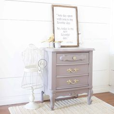 Feminine neutral purple french provincial nightstand - painted with eco-friendly furniture paint Laminate Furniture, Furniture Projects, Furniture Makeover, Furniture Design, French Provincial Bedroom, French Provincial Furniture, Purple Paint Colors, Painting Laminate, Painted Sticks
