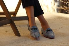 Saumon Atlantique, swim into the sustainable World with these confy loafers! Ecological leather, recycled leather, natural and recycled rubber with recycled cord brooch. Walk Wild, Walk Conscious…