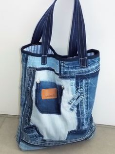Shabby Chic Stil, Denim Ideas, Tote Handbags, Tote Purse, Denim Crafts, Diy Handbag, Denim Bag, Fabric Bags, Cute Bags
