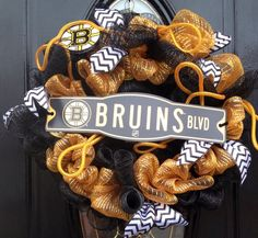 Boston Bruins Black & Gold Mesh Wreath  by LinnasCreations on Etsy, $50.00